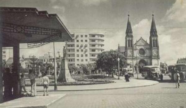Vista da Catedral Metropolitana a Praça Tiradentes