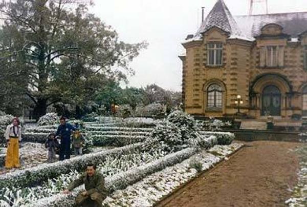 Neve no Castelo do Batel de Curitiba 1975 - Nevou por tudo mesmo