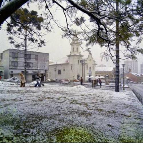 Neve no Largo da Ordem de Curitiba 1975