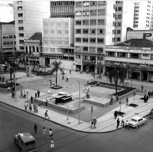 Praça Zacarias em Curitiba na sua versão antiga mais proxima de hoje