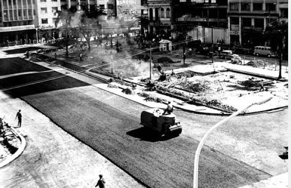 Reformas da Praça Zacarias para acabar com os alagamentos