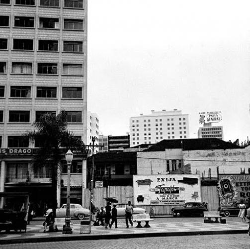 Praça Zacarias em 1940 vinha sofrente constantes mudanças