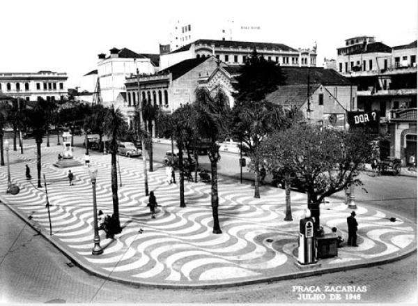 Praça Zacarias por volta do ano 1946