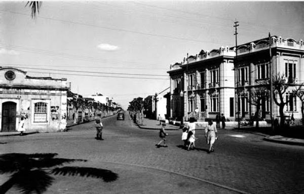 Casa de Saúde na Praça Zacarias no  início do seculo passado