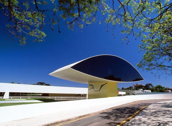 Museu Oscar Niemeyer projetado em  1967 pelo arquiteto Oscar Niemeyer