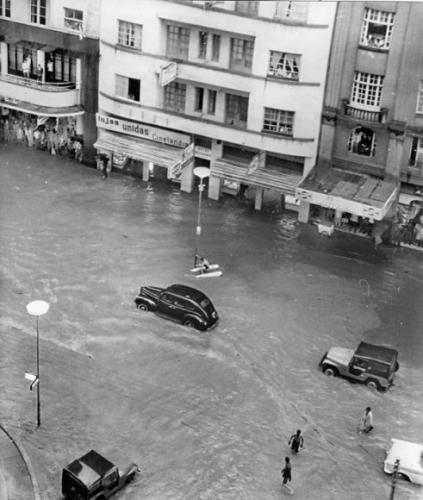 Rua XV de Novembro Luiz Xavier em 1966