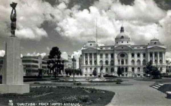 Praça Santos Andrade - UFPR