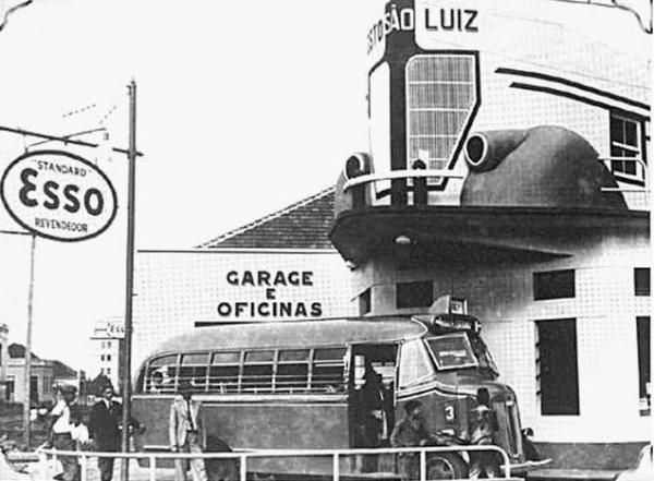 Esquina das ruas Engenheiros  Rebouças e Marechal Floriano Posto  Esso