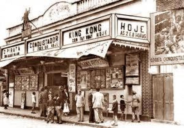 Antigo Cine Curitiba na década de 40