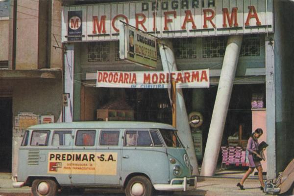Drogaria Morifarma na Praça Tiradentes em 1971