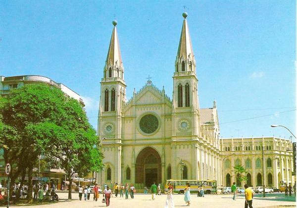 Foto da Catedral na Praça Tiradentes