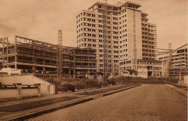 Hospital de Clinicas em construção