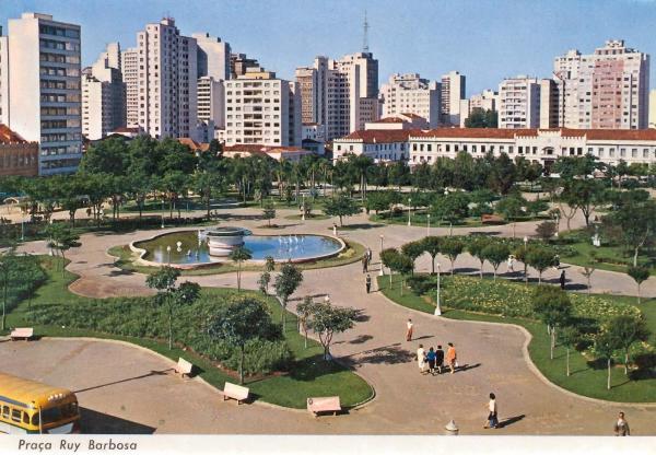 Praça Rui Barbosa em Curitiba Antigamente