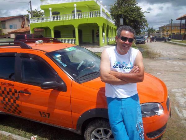 Táxi Palio Wekkend placa 157