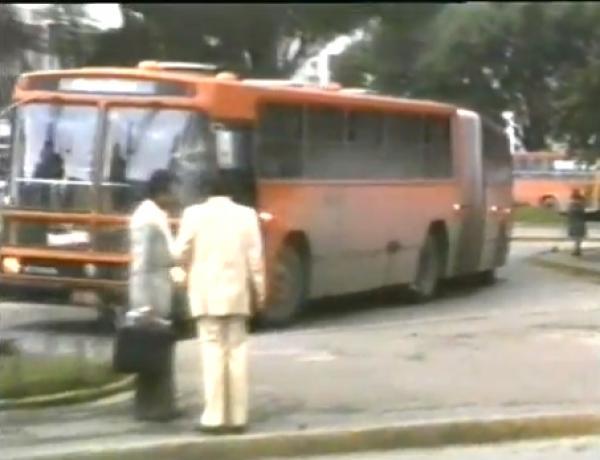 Expressos em Curitiba decada 80  primeiro ônibus articulado do  sistema