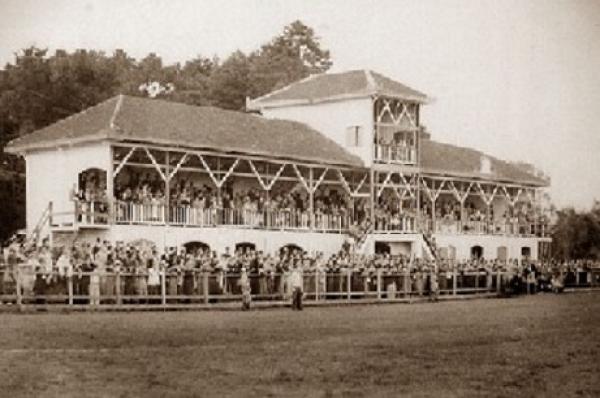 O Primeiro Atletiba oficial da história em 1924 Estádio da Graciosa onde o Coxa Venceu o primeiro Atletiba