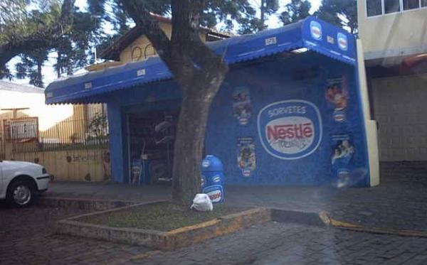 Banca de Jornais em Frente ao Madalosso em Santa Felicidade em 2004