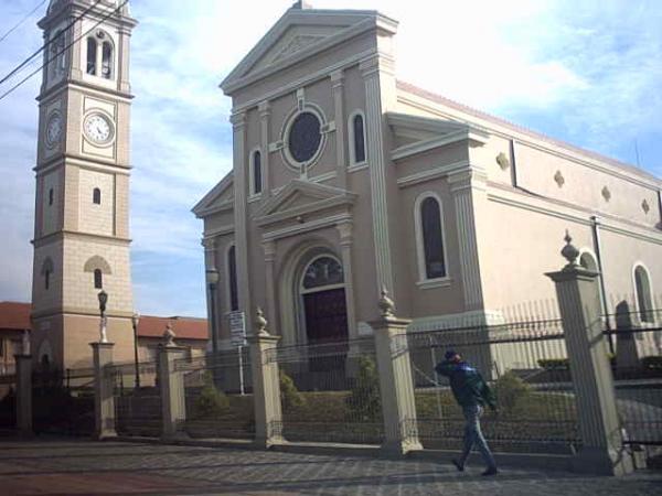 Paróquia São José em 2004 em Santa Felicidade na Avenida Manoel Ribas