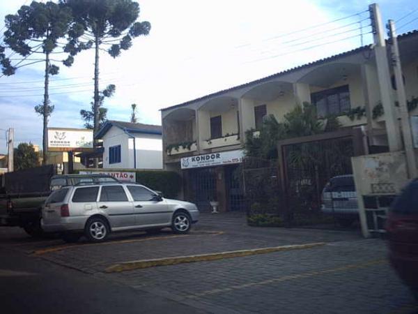 Imobiliária Kondor em Santa Felicidade próximo ao cemitério no ano 2004