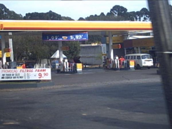 Posto de Gasolina na Avenida Vereador Toaldo Túlio em 2004