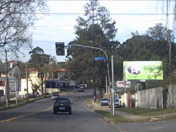Avenida Vereador Toaldo Túlio em frente ao Corpo de Bombeiros em 2004
