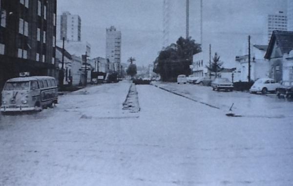 Enchente do Rio Belém, Inundação da Rua Mariano Torres em 1975