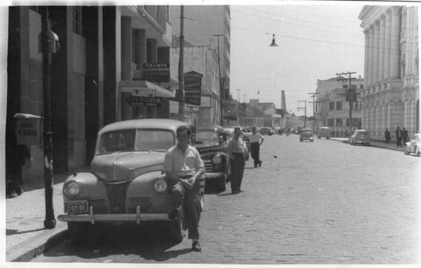 Rua Presidente Faria, Ponto de Táxi em 1959 em Curitiba