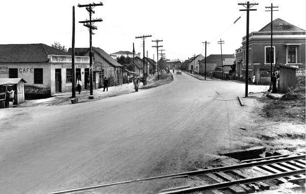 Avenida Republica Argentina esquina com a Avenida Kennedy em 1952 no Portão