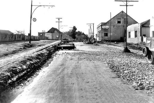 Avenida República Argentina em 1952 em obras para implantação do asfalto
