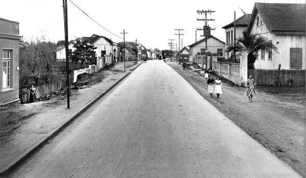 Instalação do Asfalto na Avenida República Argentina em 1952
