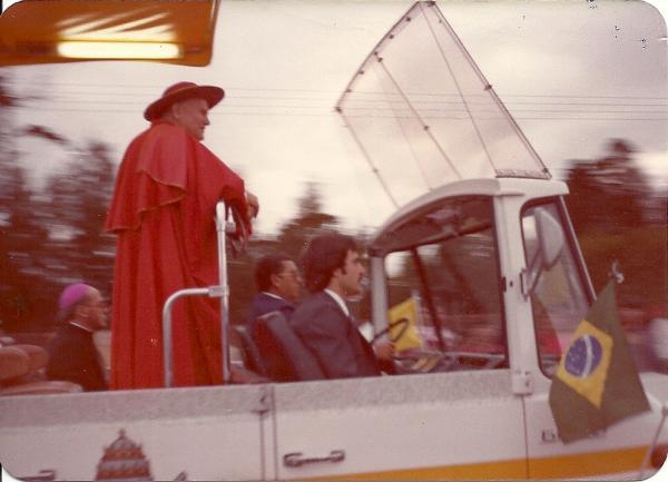 Papa João Paulo II chegando em Curitiba em 1980 na Av Marechal Floriano