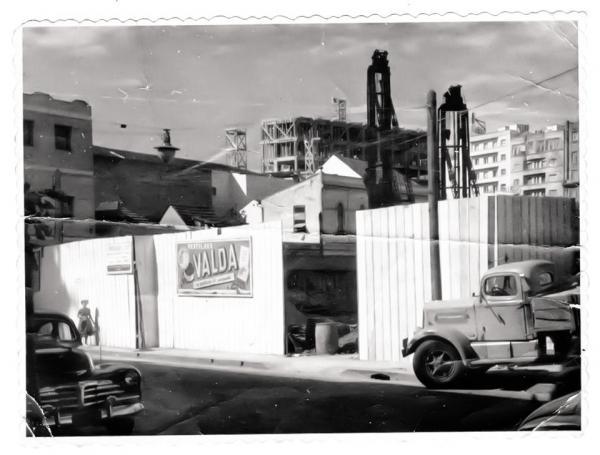 Foto do Edifício Asa em construção nas década de 40 a 50