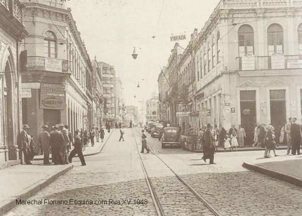Marechal Floriano esquina com rua XV de Novembro em 1948
