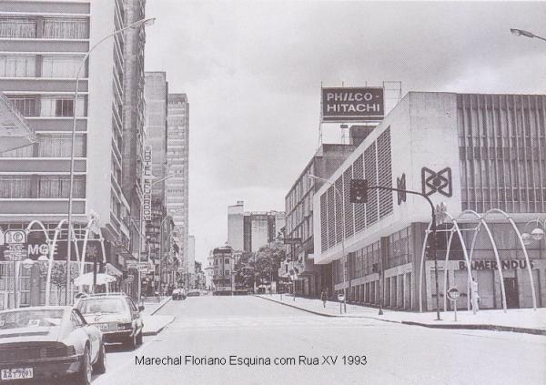 Marechal Floriano esquina com rua XV de Novembro no aniversário de 300 anos de Curitiba