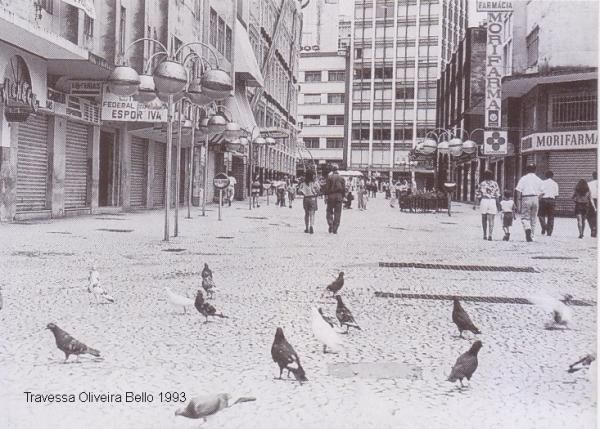 Travessa Oliveira Belo em 1993 por outro angulo Curitiba 300 anos