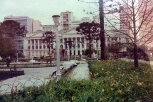 Praça Santos Andrade em 1976