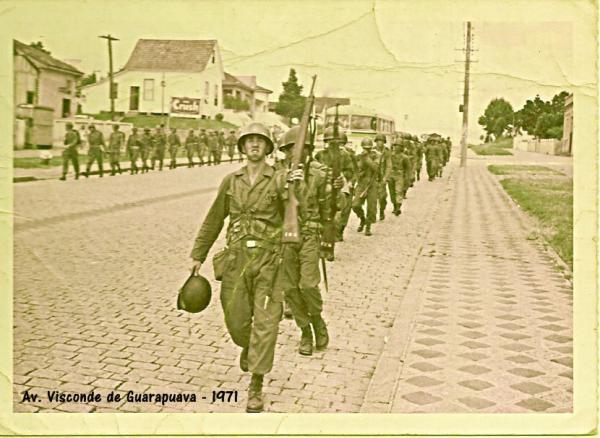 Avenida Visconde de Guarapuava 1971