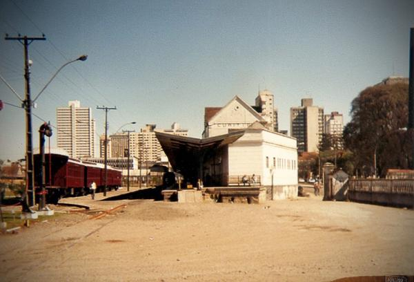 Estação Ferroviária RVPSC de Curitiba em Julho de 1989