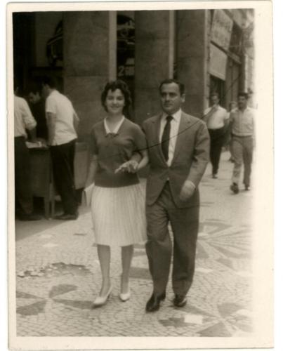 Casal de Noivos passeando pela Rua XV de Novembro em 1961
