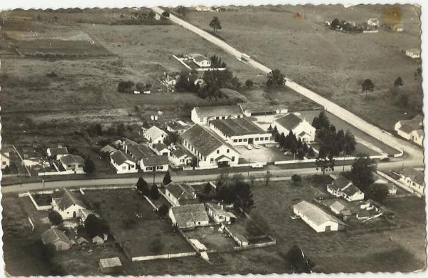 Colégio Erasto Gaertner em 1966 no  Boqueirão