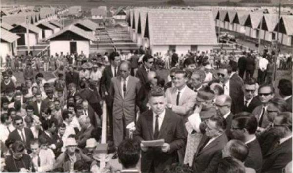 Foto Inauguração da Vila Nossa Senhora da Luz dos Pinhais em 1967